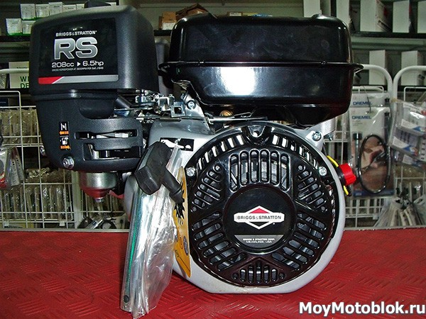 Мотор Briggs&Stratton RS 950 мощностью 6.5 HP