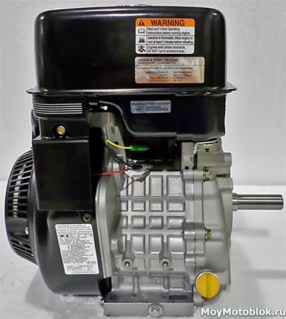 Двигатель Briggs&Stratton Vanguard 13.0 сбоку