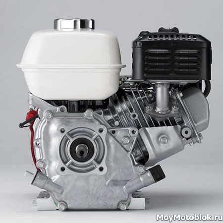 Двигатель Honda GX120 сзади