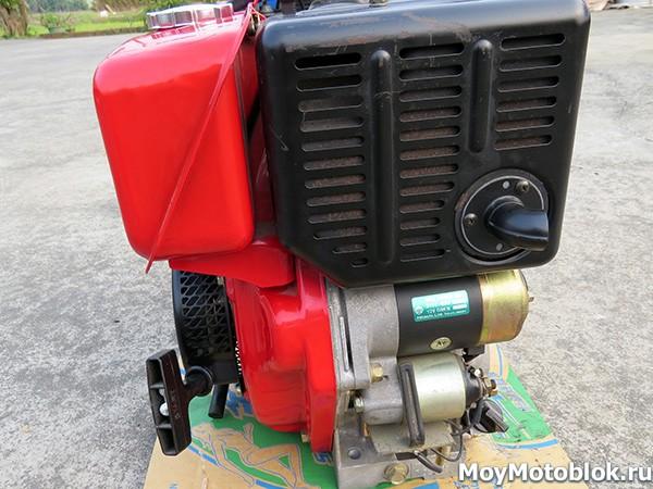 Двигатель Robin Subaru DY27-2D сбоку