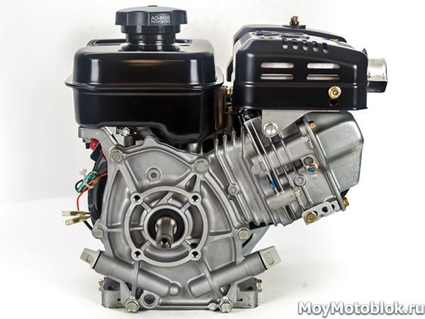 Двигатель Robin Subaru EX-13 сзади