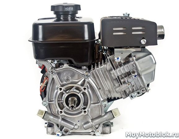 Двигатель Robin Subaru EX17D сзади