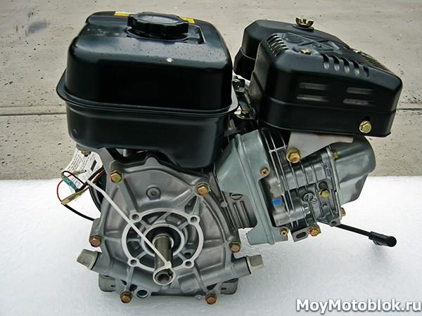 Мотор Subaru Robin EX-21 вид сзади