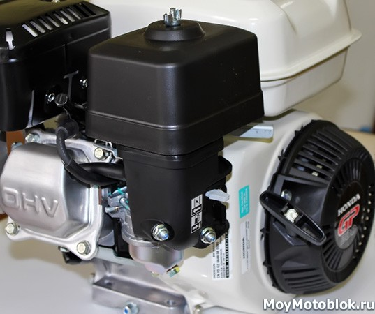Двигатель Хонда GP 200 сбоку